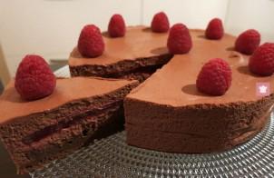 Torta al cioccolato e lamponi