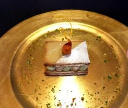 Millefoglie con mousse di pistacchio e nocciola
